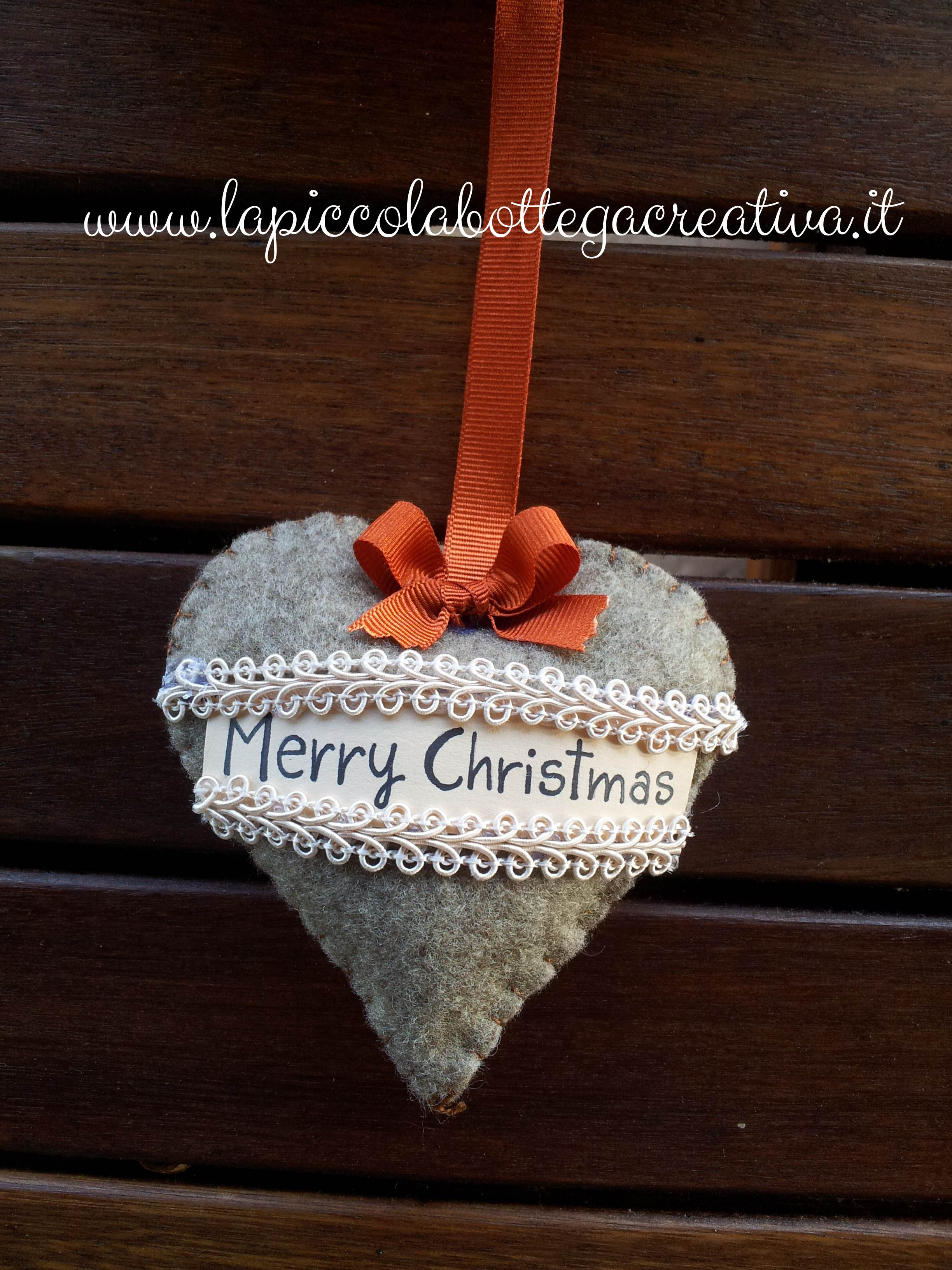 dettaglio-ghirlanda-cuore-merry-christmas