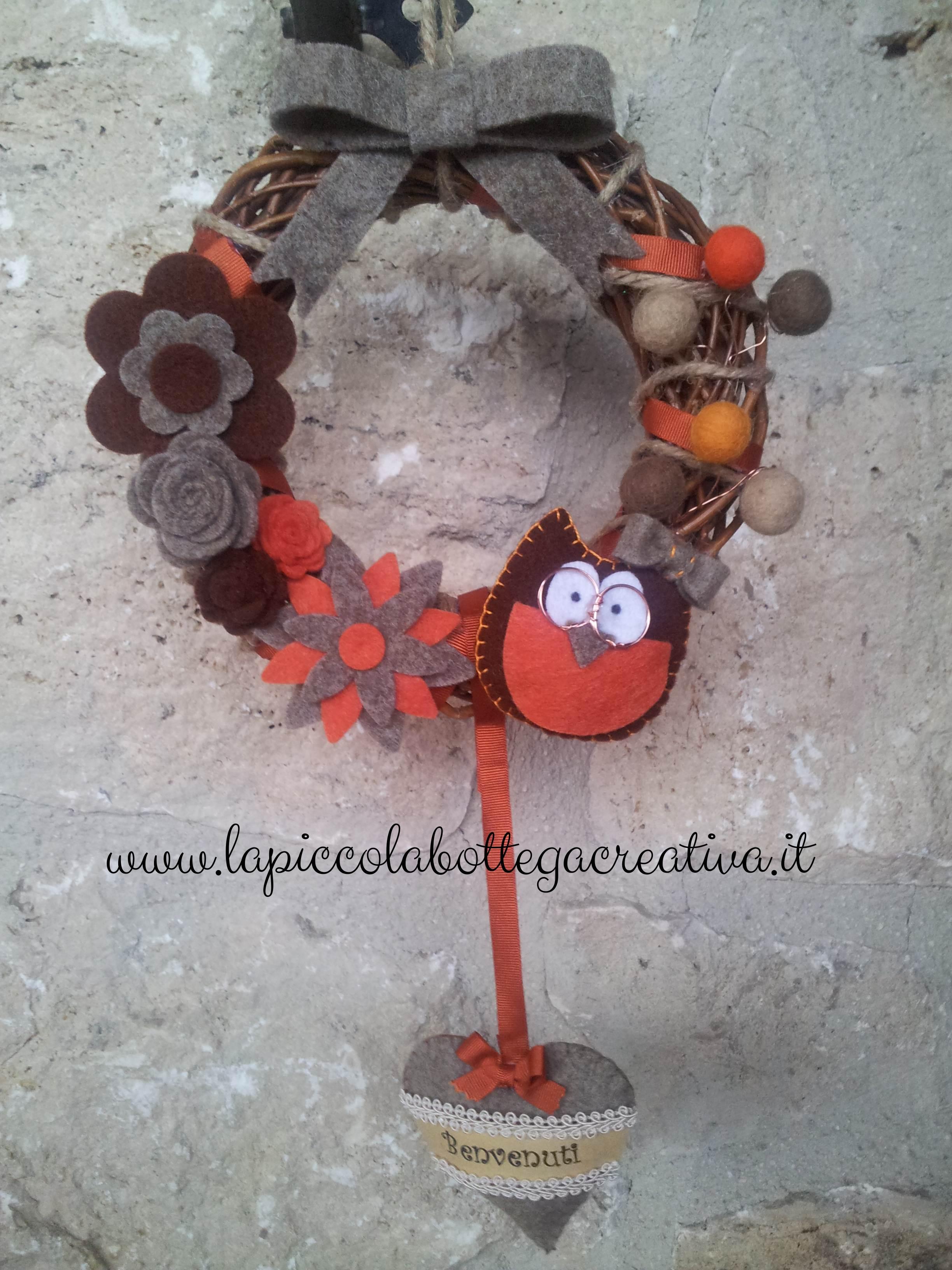 ghirlanda-fuoriporta-arancio-avana-decorata-fiori-gufo