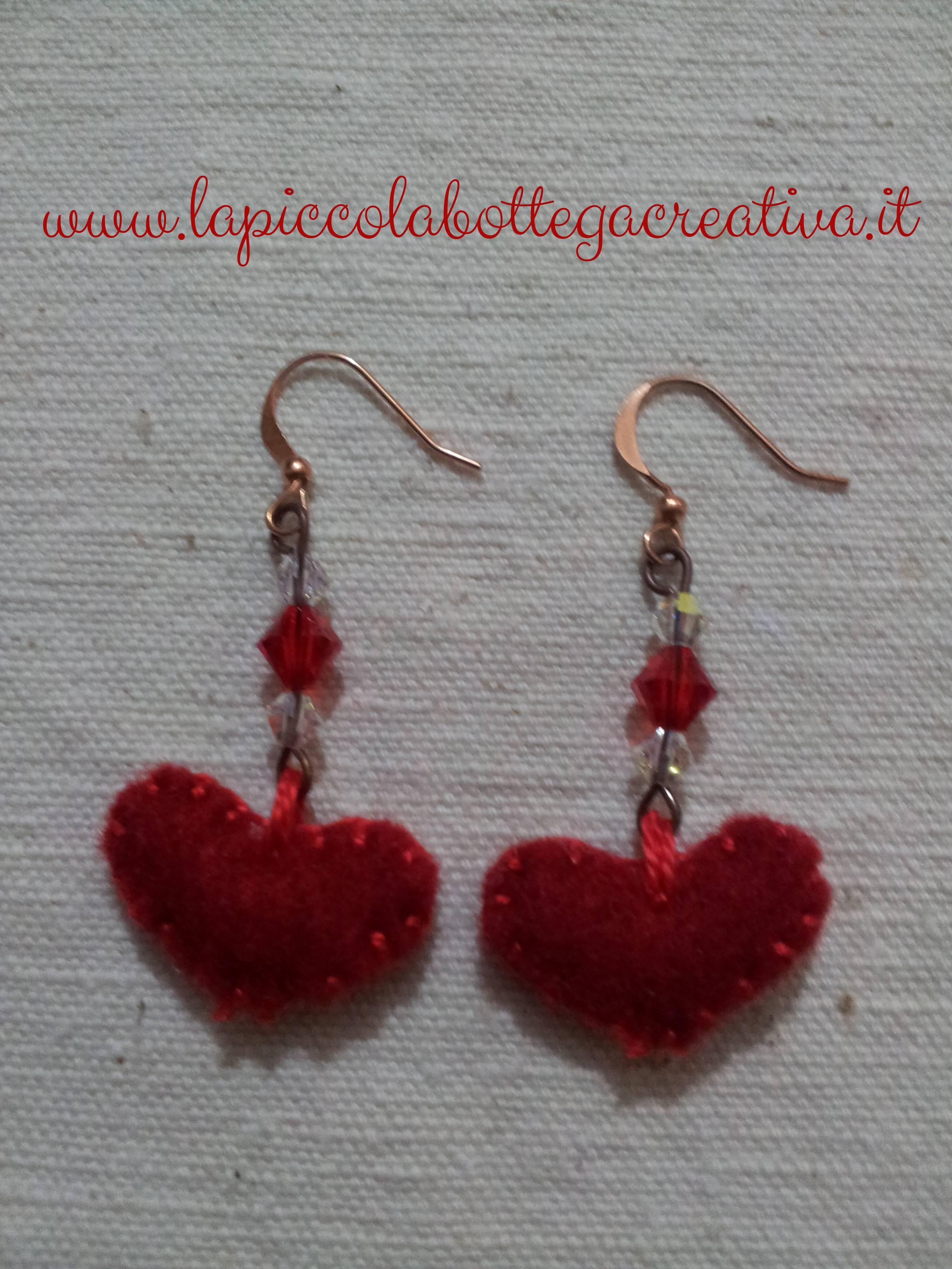 orecchini-feltro-cuore-rosso