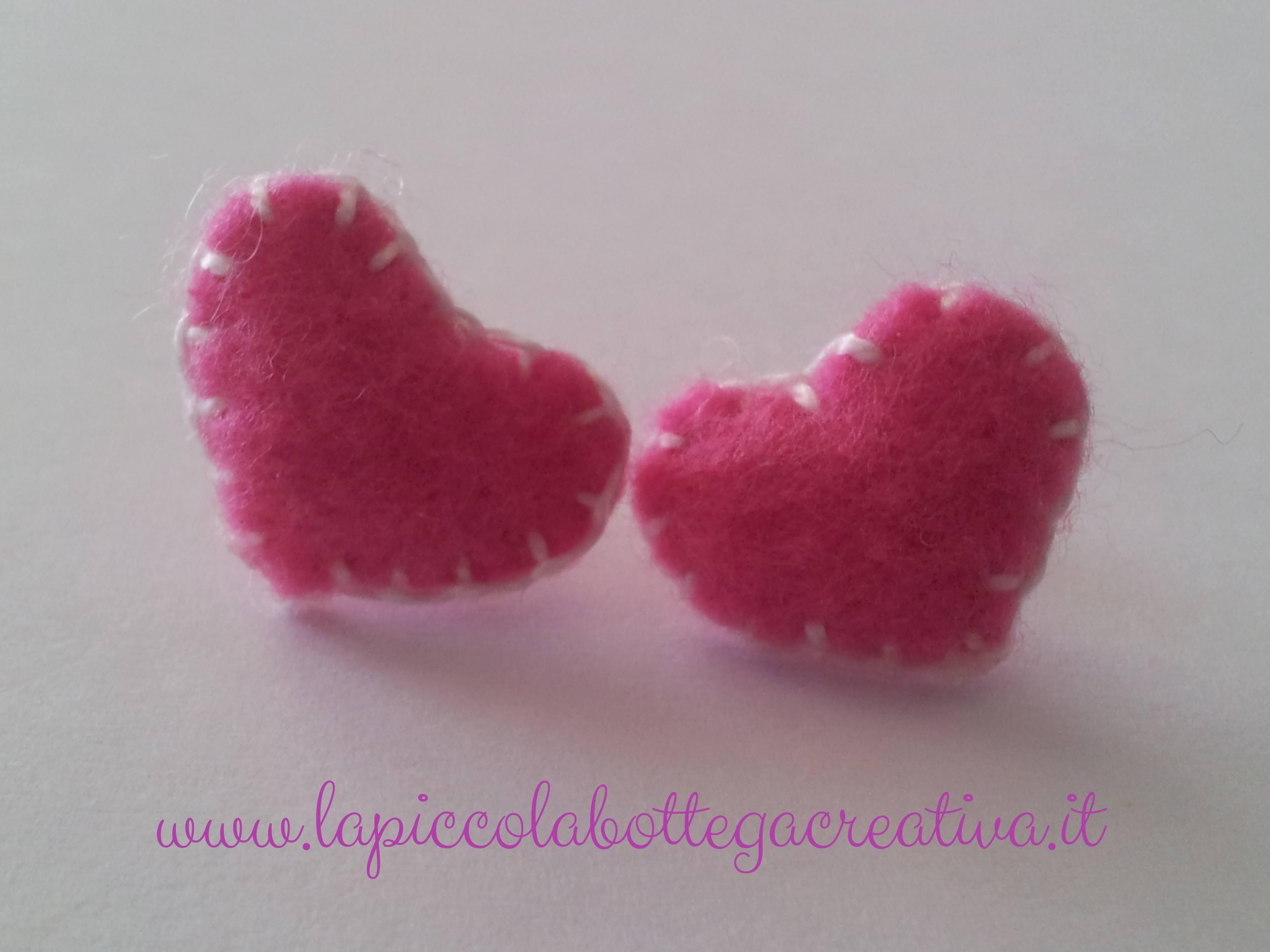 orecchini-feltro-cuori-rosa