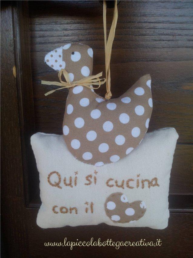 decorazione-cucina-cotone-marrone-pois