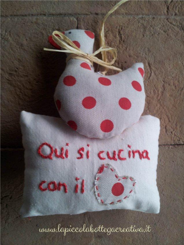 decorazione-cucina-cotone-rosso-pois